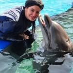 عکس های جدید و داغ مهناز افشار در استخر همراه دلفین